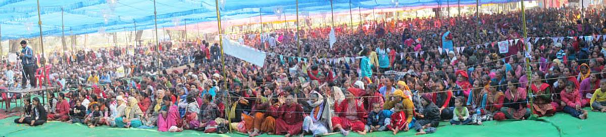 Nepal2012_zuhoerer1