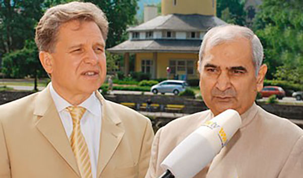 Lothar Pirc mit Dr. Triguna jr., President des All India Ayurvedic Congress