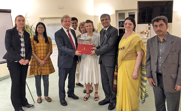 Sekretär des Ministeriums, Vaidya Prof. Rajesh Kotecha in Bad Ems